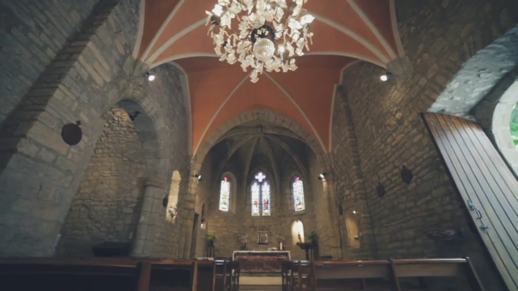L'église Saint-Etienne peut accueillir 82 personnes.