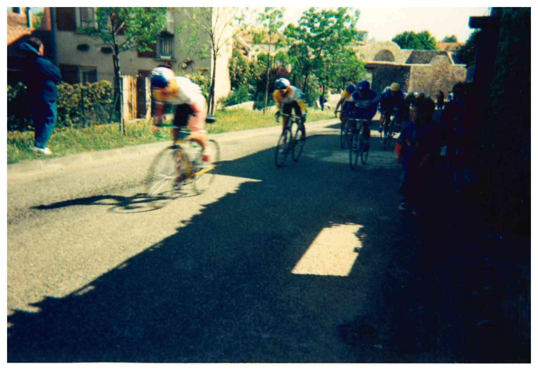 1995 : Quand le Tour de l'Aude cycliste Féminin arrivait à Floure !